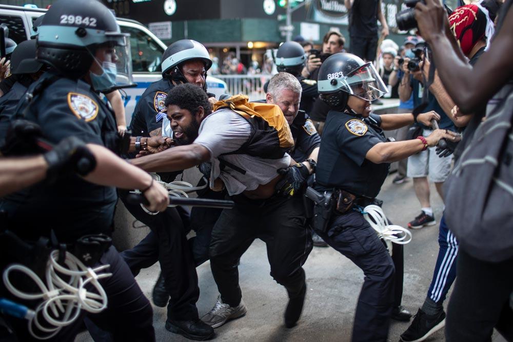 Р-Техно: Джокер в помощь. Как Голливуд повлиял на погромы в США